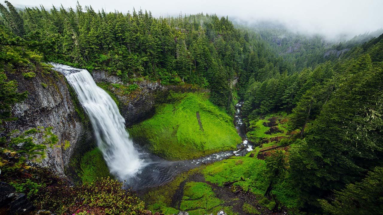 waterfall-1081997_1920